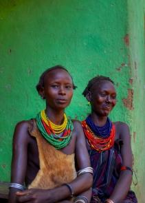 Femmes dessanech, Vallée de l'Omo, sud de l'Éthiopie.