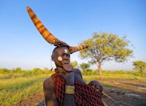 Femme mursi, Vallée de l'Omo, sud de l'Éthiopie.
